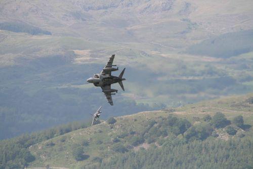 BAE Harrier 2ship