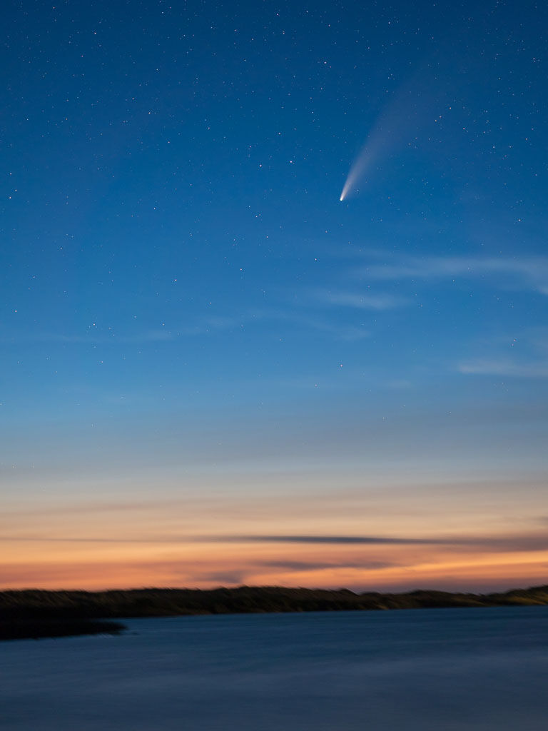 Comet Neowize sunset Garrison Lake Port Orford