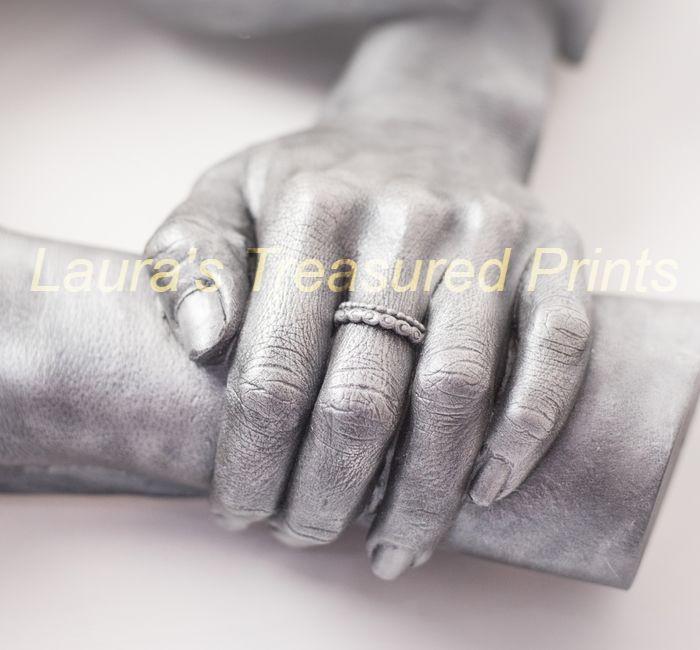 Wonderful Hand detail