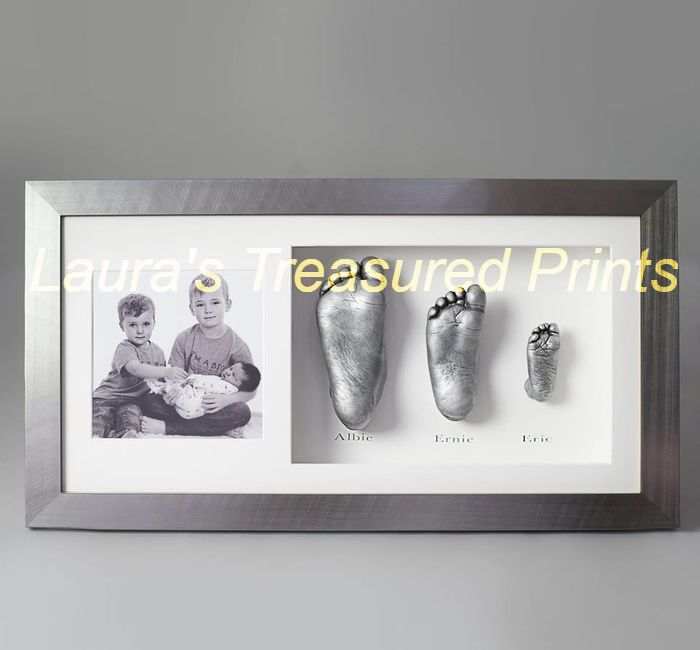 Framed photo with casts