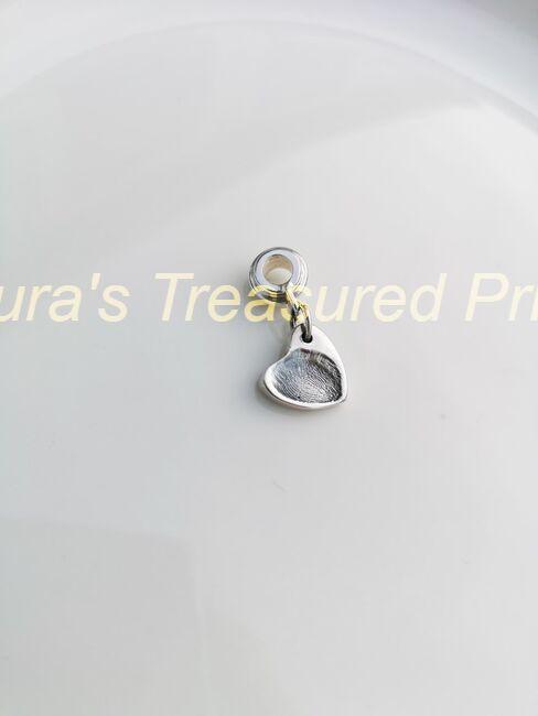 Foundry cast classic heart fingerprint charm