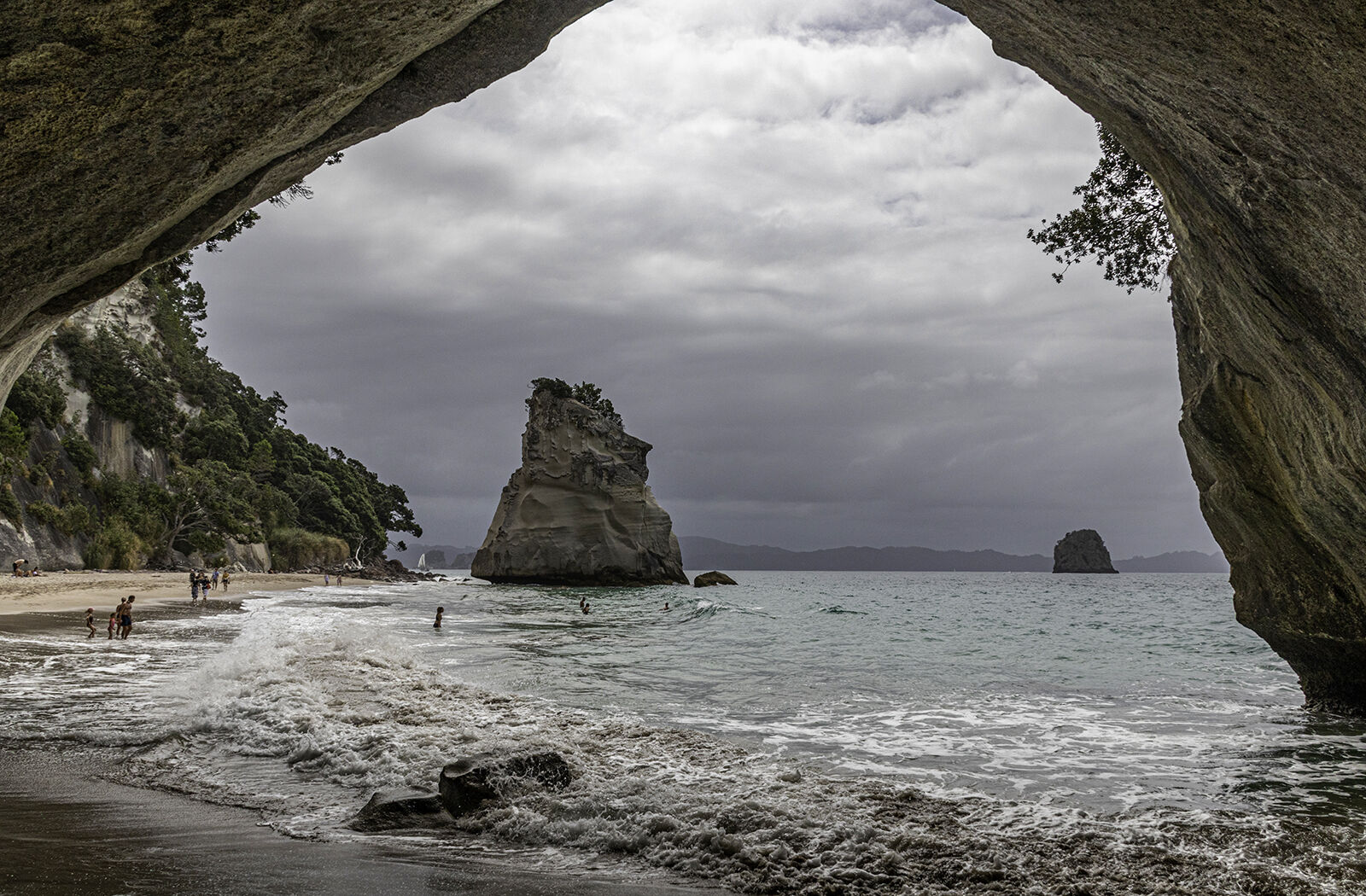 Cathedral Cove - Susan Giblett (C)