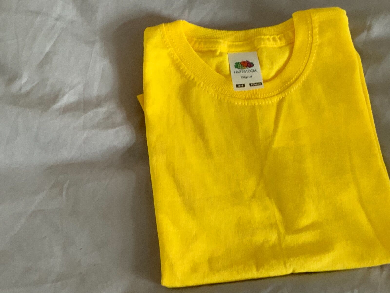 Sunshine yellow t-shirt 5/6