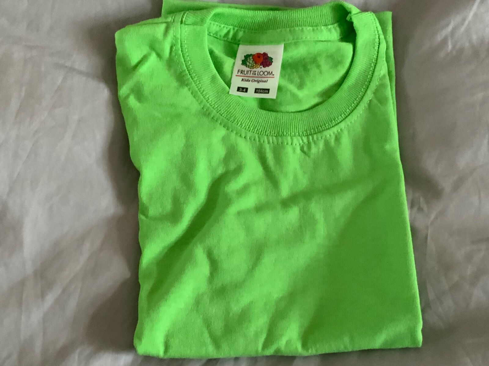 Lime green t-shirt 3/4