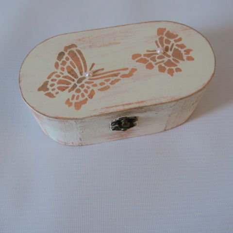 Small Oval Shabby Chic Box with Butterfly Design