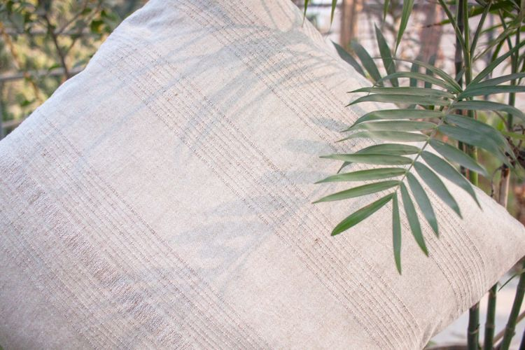 1121178-Hand Woven Cotton Cushion Cover