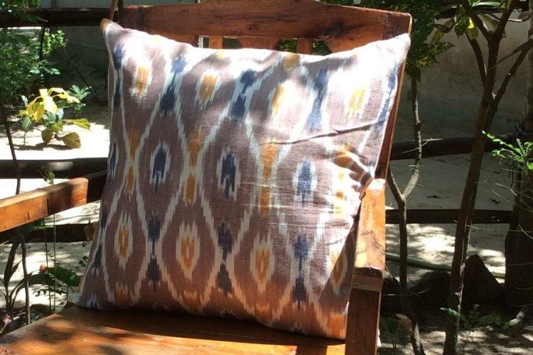 6421170 - Koyyalgudam Cushion Cover