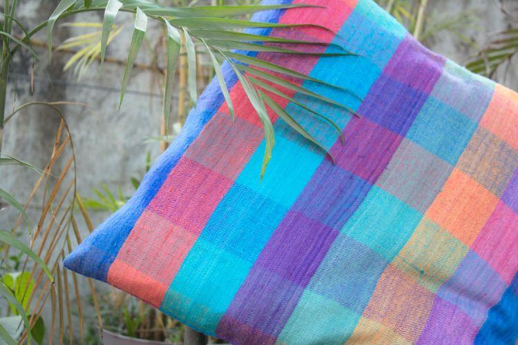6921192-Eri Silk Cushion Cover