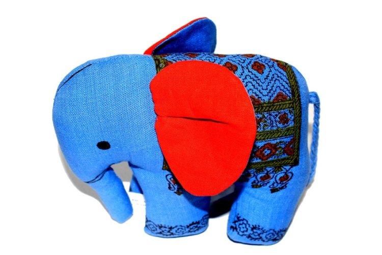 1417305-Medium Elephant