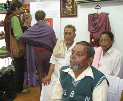 Shoppers and weavers mark  World Leprosy Day in MESH