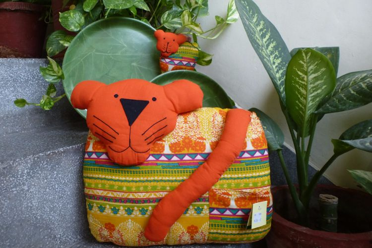 3517347 - Tiger and Cub Cushion