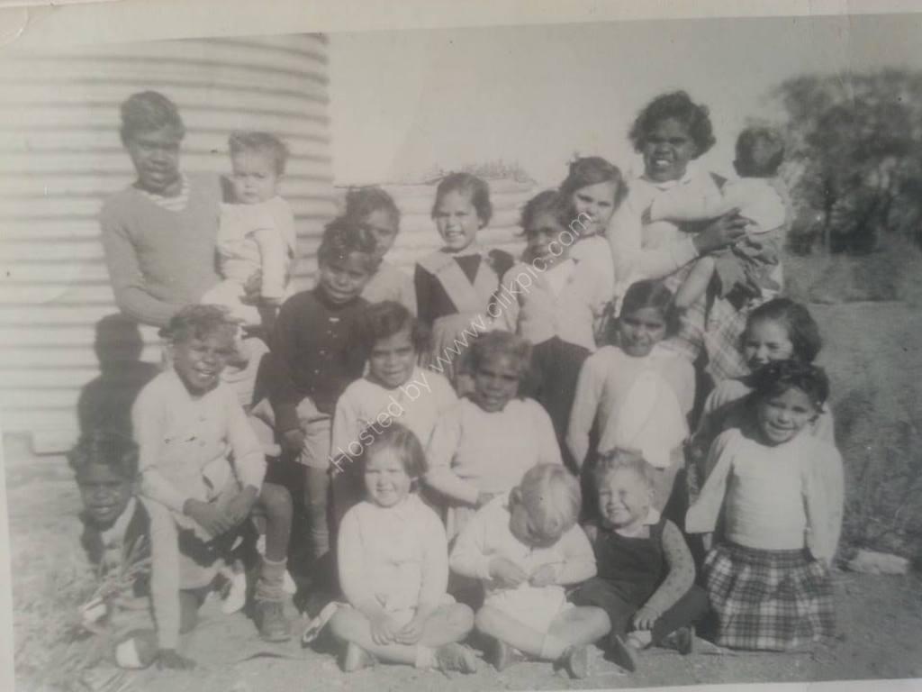 UAM MISSION SA (me toddler top left)