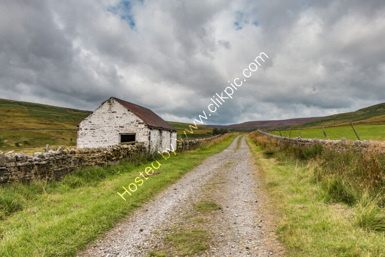 Great Eggleshope Track and Barn