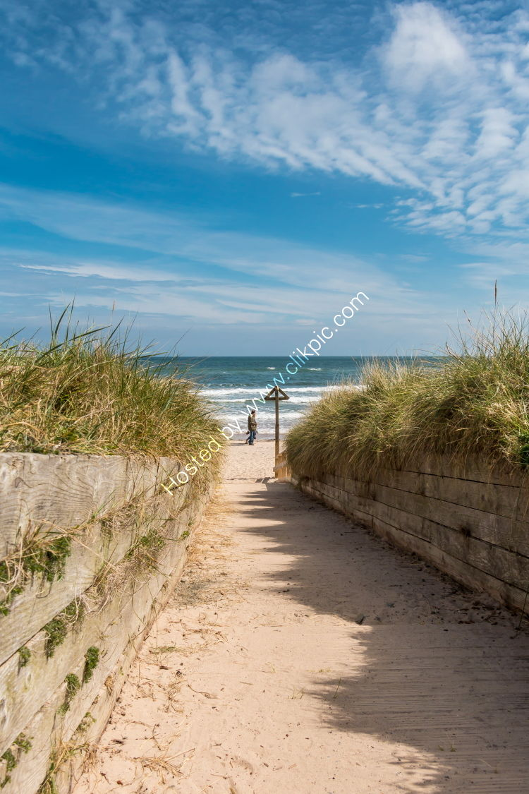 Down to the beach at Alnmouth