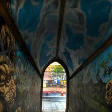 Tunnel graffiti