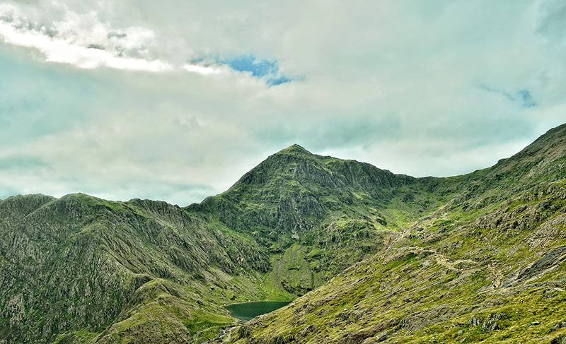Trekking up Mount Snowdon