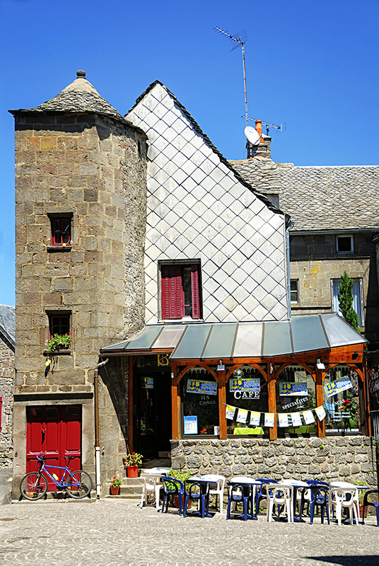 A Cafe in Besse-en-Chandesse