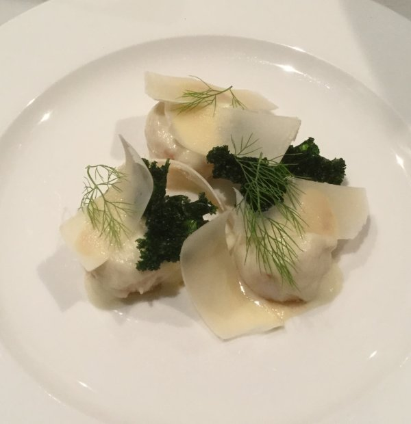 Fennel poached scallops, crispy kale, Parmesan
