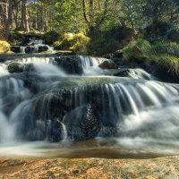 Waterval in Glen Feshie, Schotland