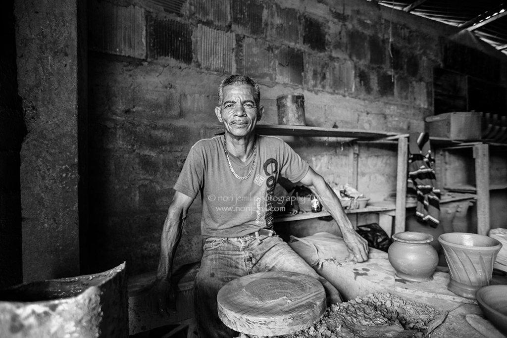 Artisan Ceramicist, Panama