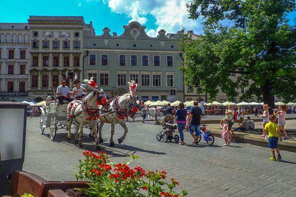 Old Quarter Market Square
