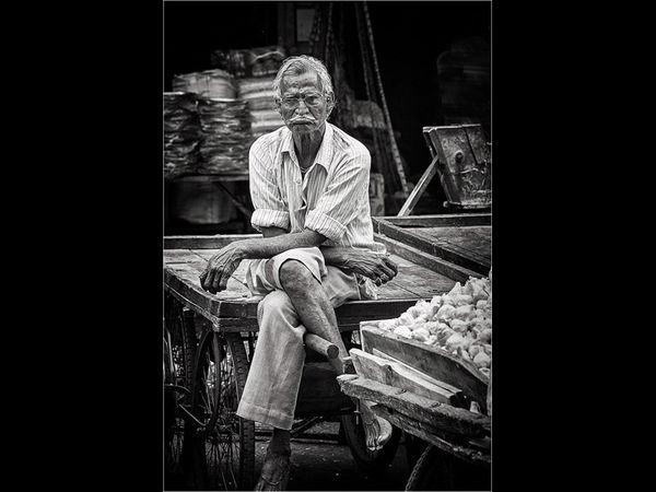 The Garlic Seller