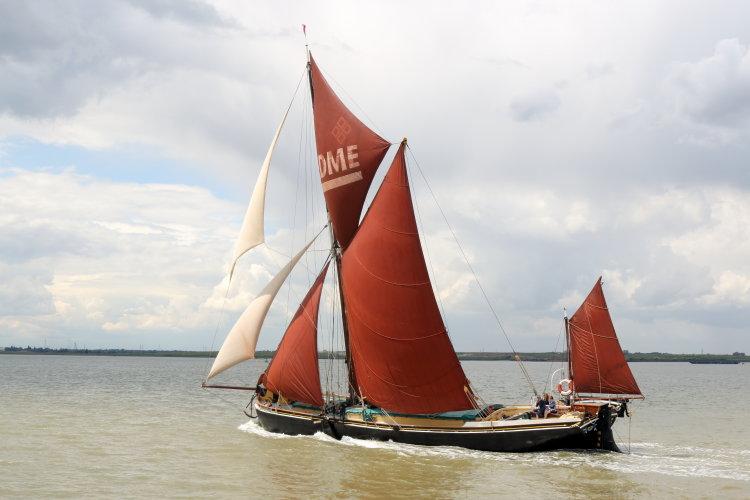 "Thames sailing barge ""Edme"""