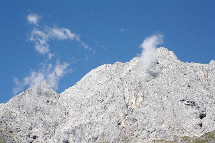 Muhlbach, mountains and cloud