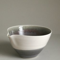Small pour bowl
