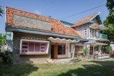 Tobacco trader's mansion, 1965 Sumenep Madura