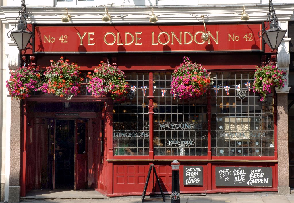 Ye Old London Pub - Ludgate Hill