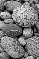 Gearrannan Pebbles in mono