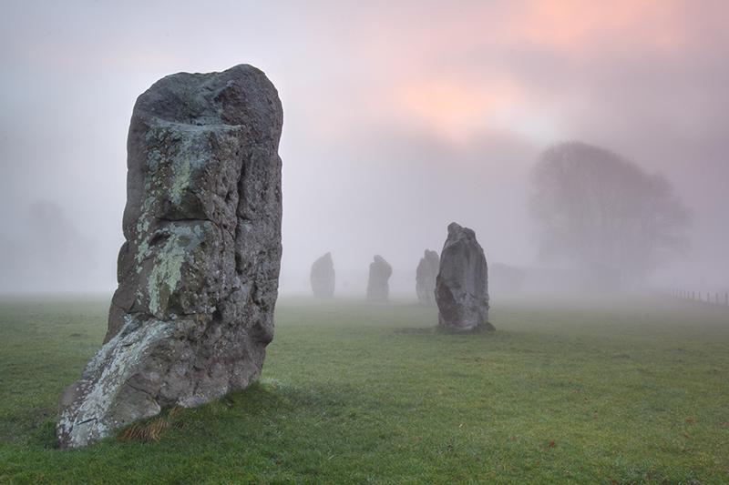 Misty dawn, Avebury