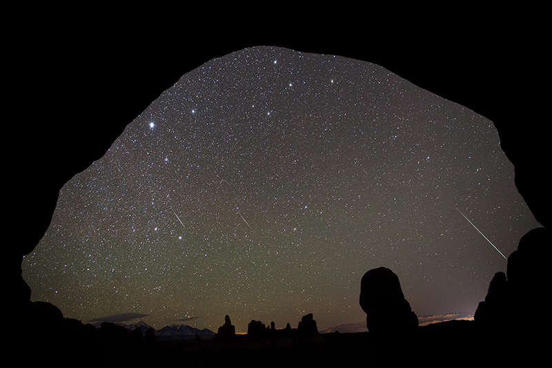 Geminid meteors through Double Arch