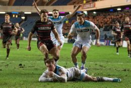 Stuart Hogg scores for Glasgow Warriors