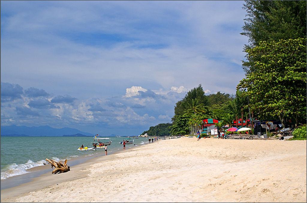 Batu Ferringhi Beach Malaysia
