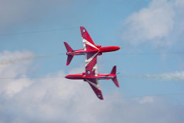 Red Arrows cross-over