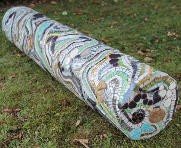 Mosaic 3D sculptural column