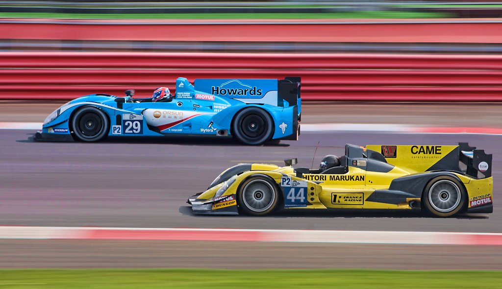 Close Racing at Silverstone