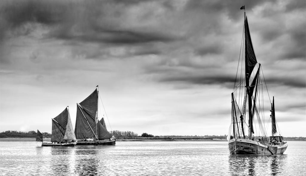 Thames Barges Mono