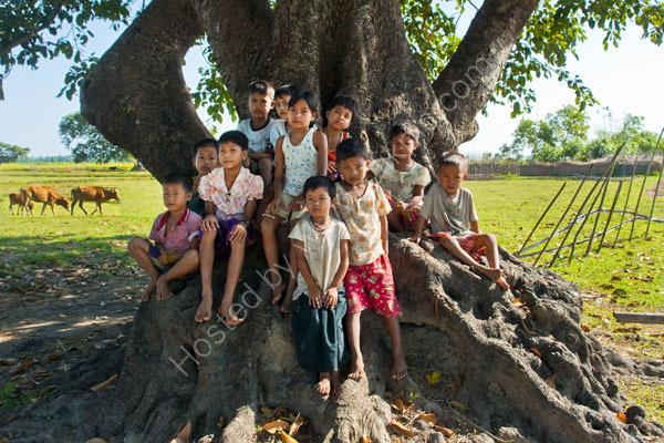 Children , village near Maruk U