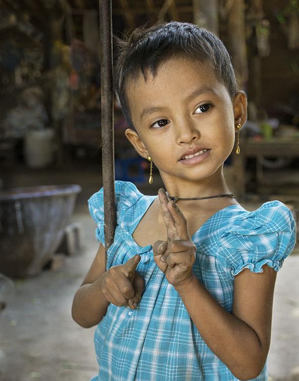 Girl with Gold Earings Bagan