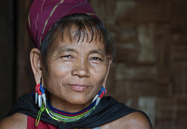 Kayan Gebar Woman