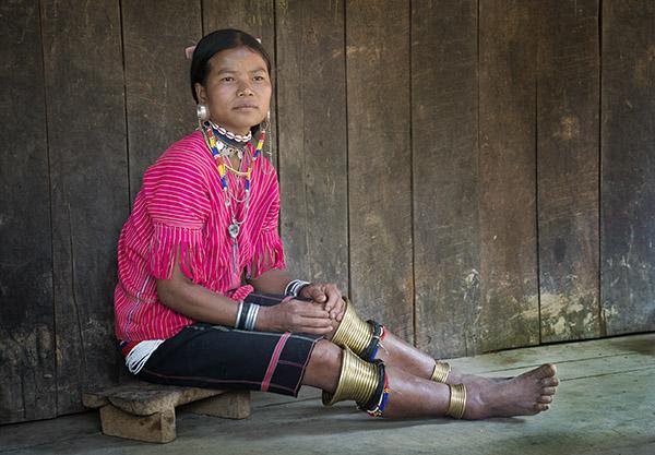 Kayan Gebar Woman seated