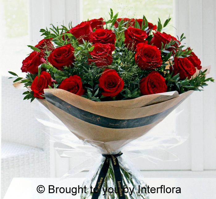 Heartfelt 20 Rose Handtied £80