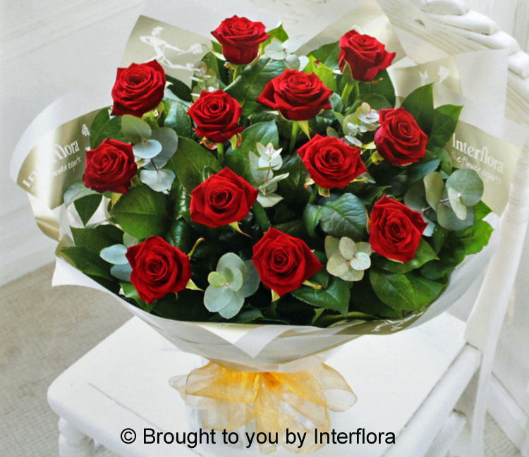 18 Heavenly Red Roses Hand-Tied LARGE  : £65.00