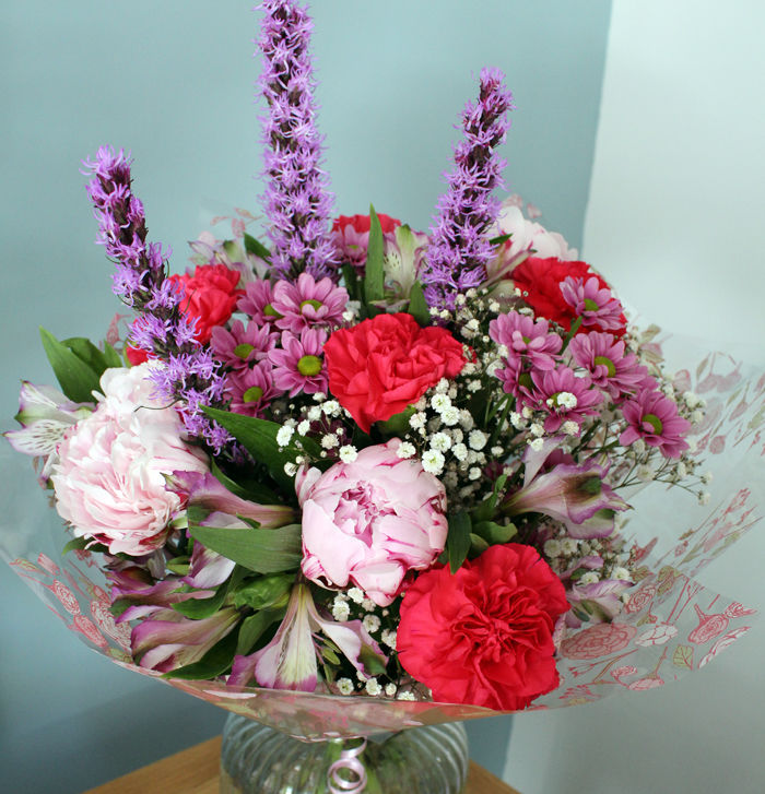 SPECIAL OFFER - Mixed Flower Handtied - £30