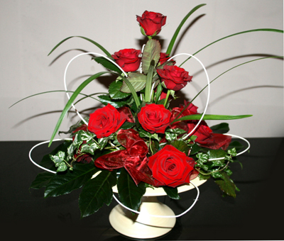 Red Rose Table Arrangement