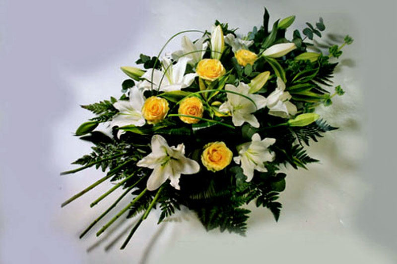 Rose & Lily Funeral Spray: £65.00