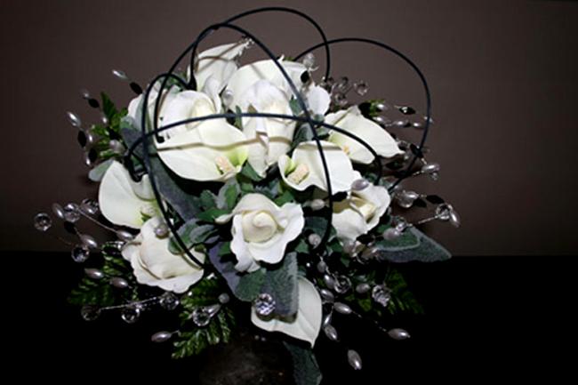 White Rose & Calla Lily Posy